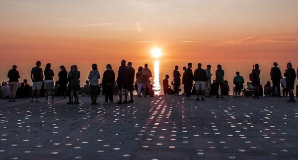 Neue Aussichtsplattform für Dänemarks legendären Sonnenuntergangsplatz bei Skagen